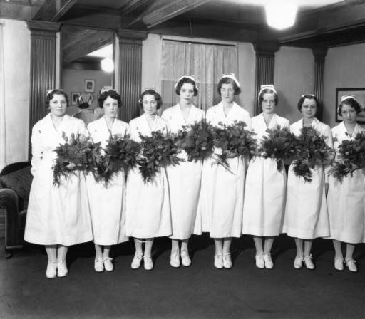 December, 1919 – The Fort Sanders School of Nursing is established. Twelve young women formed the first student body. Along with their studies, they were required to make obstetrical gowns, hem sheets and curtains, draperies, prepare linens for surgery and make their uniforms in time for the hospital to open in 1920.
